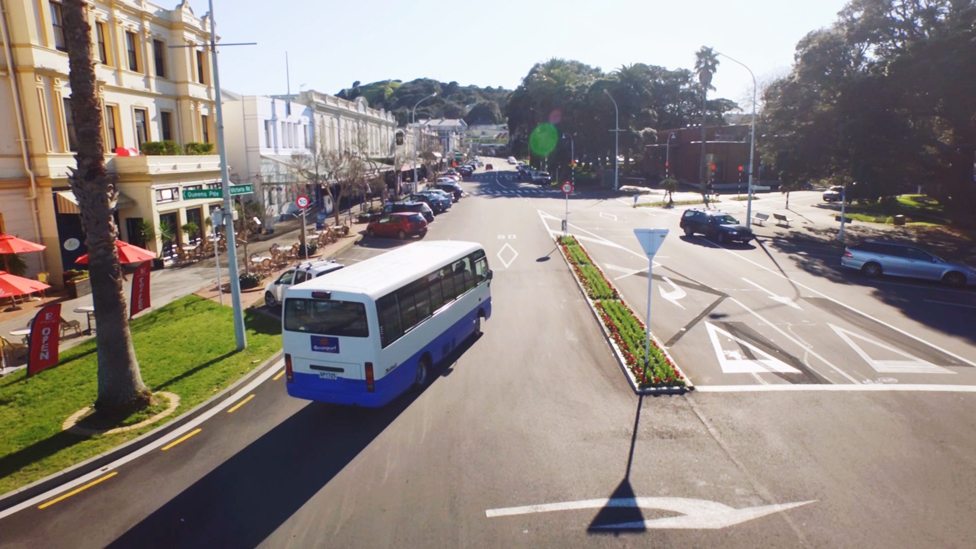 Devonport Hopon and Hopoff Bus Tour through the village
